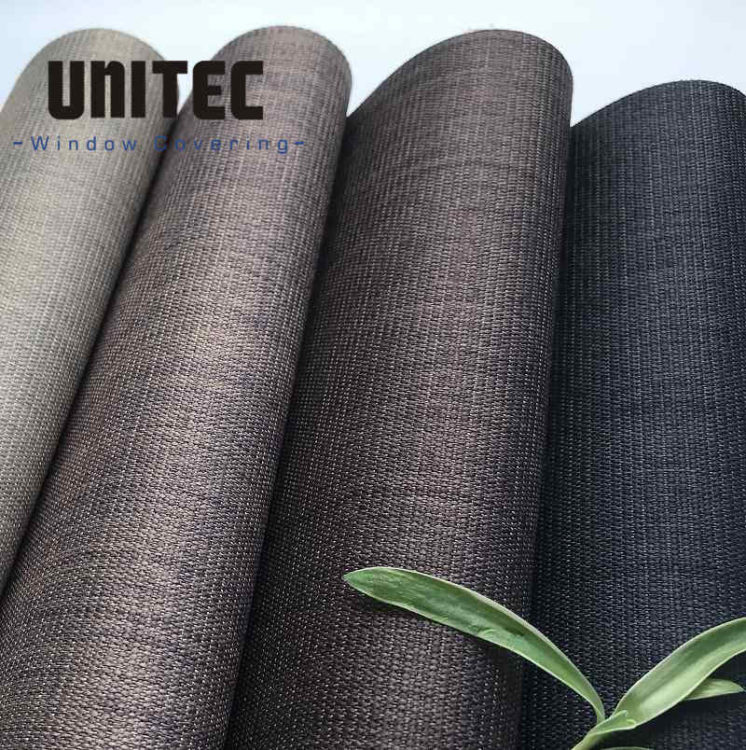 Opaque polyester roller blind fabric